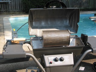 RK Drum roaster in gas grill